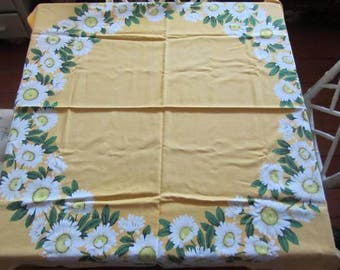 Pushing Up Daisies - Vintage Square Tablecloth -Spring Yellow - 1970's Kitchenalia