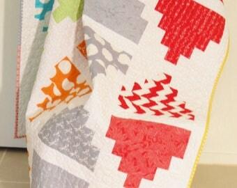 Modern Lap Quilt / Modern Throw Quilt / Modern Quilt / Handmade Quilt