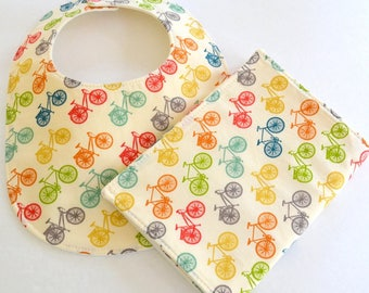 Organic Baby Set, Bib & Burp Cloth Gift Set, Bicycles . Organic Gift Set, Baby Shower Gift, Modern Baby Gift, Gender Neutral Baby Gift