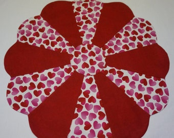 Valentines Hearts Table Topper Reverses to U.S. Flags, 4th of July