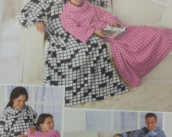 Fleece Lounge Blanket Pattern in Three Sizes Simplicity 2490 Lounge Fleece Blanket Size Small,Medium Large, up to 6'Tall