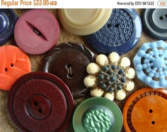 ONSALE 16 Antique and Vintage Large Buttons Mixed Vintage Buttons Lot 405