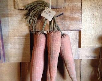 Primitive Veggies/ Grubby Carrot Bowl tucks Set of 4