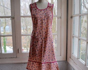 Pink Sprigged Smock Apron/Vintage 1960s/Floral Cotton Full Apron/Silin's Fruit of the Loom Original Tag