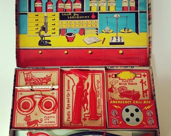 Small Fry Doctor Kit / Pressman Toy Corp / Vintage Toys / Medical Kit / 50s Toy Dr Kit