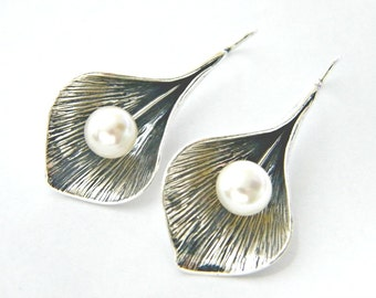 Sterling Silver Leaf Earrings for Woman.  sterling silver jewelry ,  dangling earrings with Pearls Dangling Earrings