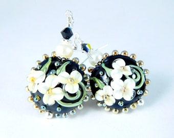 Black White Floral Dangle Earrings, Freshwater Pearl Earrings, Glass Flower Earrings, Winter Wedding, Nature Jewelry, Botanical Lampwork