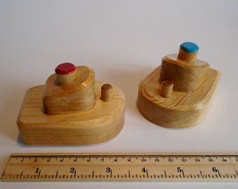Small Wooden Toy Boats Set of 2, Bathtub Wood Boat Toy, Handmade Waldorf Simple Bath Toy, Toddler Toy, Kids gift, Jacobs Wooden Toys