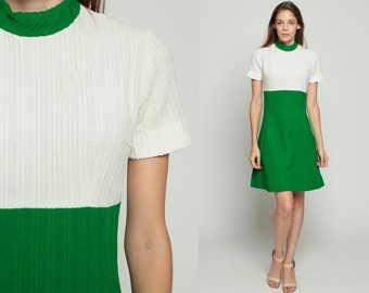 60s Mini Dress Mod Babydoll Color Block 70s Empire Waist Space Age Twiggy Gogo Green White Short Sleeve High Collar Vintage 1960s Small