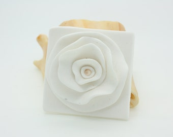 Pretty white flower brooch or pin, polymer clay