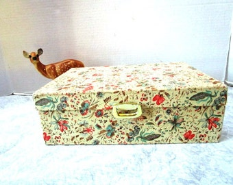 Large Vintage Jewelry Box w/ Floral Fabric, Gold Velveteen Interior, Pop Up Divided Tray, Feminine and Pretty, Organizer, Boudoir, Teen Girl