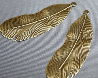 free UK postage - Pack of 20 – Thin Slice Feather pendant