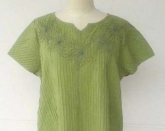 BUY 2  FREE 1---Cotton blouse with pleats and flowers embroidery