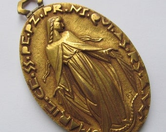 Vintage French Miraculous Virgin Mary Fernand Py Gold Plated Religious Medal  SS363