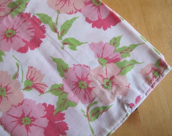 Single Vintage Pillowcase - Pretty in Pink