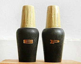 Vintage Midcentury Modern Salt and Pepper Shakers Wood and Ceramic Kitchen Table.