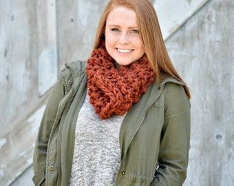 The Mini Chunky Cowl in Spice - Holiday gift, Infinity Scarf, SALE