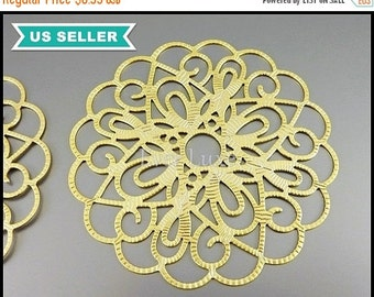 15% SALE 2 extra large beautiful flower detail filigree pendants, filigrees, scalloped round pendants in matte gold 1538-MG