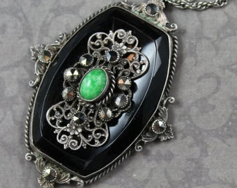 Vintage Art Deco Silver Filigree Black and Green Glass Silver Filigree Pendant and Chain Necklace
