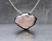 Rough Pink Kunzite Cloud Necklace Silver Bezel Romantic Raw Pastel Gemstone Rustic Gift Idea For Her Cotton Candy Arizona Sky - Zuckerwatte