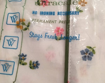Wamsutta Pillowcases Vintage ~ Floral Pair Of Standard Pillowcases ~ Ultracale ~ Shabby Chic ~ NOS ~ Vintage Bedding  Girls Room Decor