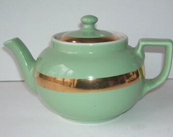 Hall Medium Green 4 Cup Teapot with Gold Band, Vintage Hall, Kitschy Retro, Kitchen Decor, Retro Kitchen, Hall Tea Pot Server