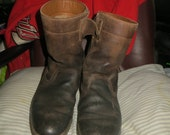 Vintage Tecnica Country sz 44/42  Distressed Italian Leather Boots Mens Sherpa Fleece  Lined  zipper winter boots
