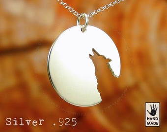 LONE WOLF Handmade Sterling Silver .925 Necklace in a gift / present box