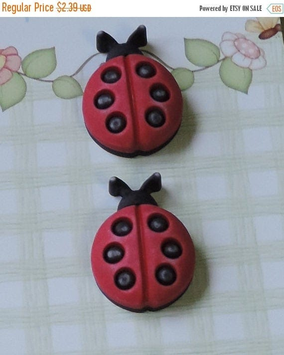 SALE Ladybug Buttons, Shank Back Novelty Buttons by Buttons Galore, Carded Set of 3, Spring Fling Collection, 3D, Bright, Detailed Buttons