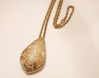 Vintage Sarah Coventry Gold Pendant/Pin Necklace with  23 Inch Gold Chain