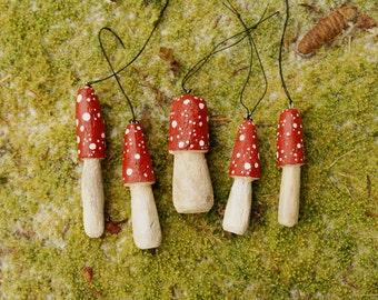 WoodlandWonderland - Set Of Five Hand Carved Wood Mushroom Ornaments