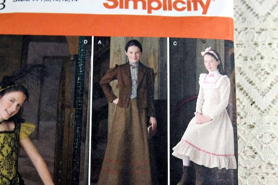 6e8c29edd03 Simplicity Historical Patterns   Historical Costume Simplicity ...