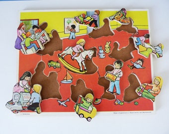 Vintage wooden Victory play & learn  tray puzzle