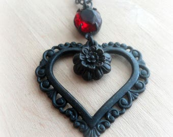 Heart Jewelry - Black Heart Necklace - Victorian Necklace - Heart Pendant - Romantic Necklace - Romantic Jewelry - Vintage Style