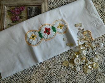 Sweet Embroidered Pillowcase #102