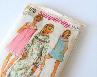 40% OFF SALE Vintage Original 1968 Simplicity Sewing Pattern 7910 / Misses and Womens Babydoll Nightgown Size Medium 12-14