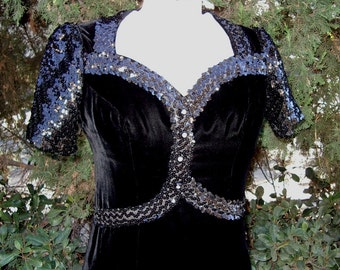 40s Inspired Vintage Velvet Evening Gown/ Dress Sequin Trim 70s Designer Original Size 8 Item # 510 Dresses /Gowns