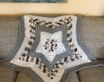 Star-shaped crocheted chunky baby swaddling blanket