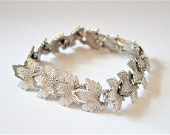 Vintage leaf bracelet. Silver leaf bracelet