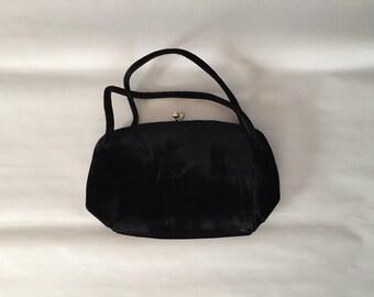 1940s velvet purse | black velvet double handle kiss lock purse