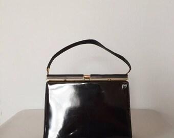 30% OFF SALE... 1950s doctor bag | black patent handbag
