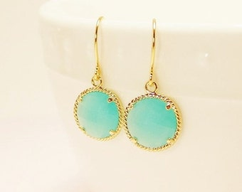 SALE Mint glass earrings.  Mint aqua chalcedony glass and gold dangle round earrings. Bridal earrings. Bridesmaids earrings.  Wedding jewelr