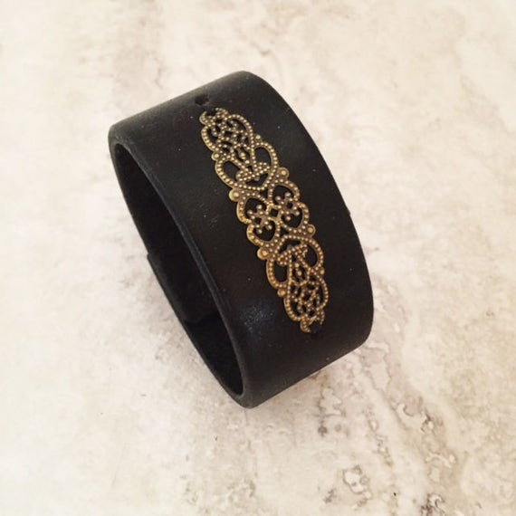 Women's Black Handmade Leather Cuff with Filigree (Size 7.0 inches)