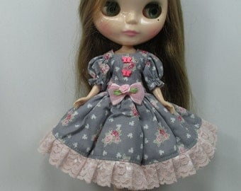 Handcrafted long sleeve dress outfit for Blythe doll 44-11