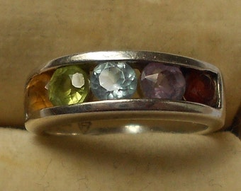 Lovely Vintage MOTHER'S Ring with 5 Stones-Citrine, Tourmaline, Aquamarine, Amethyst and Ruby Size 7