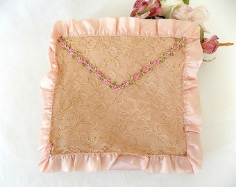 1940s Pink Lingerie/Hose/Handkerchief Bag with Lace & Pink Roses with Silk Ribbon Trim