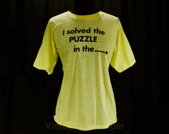 Large T Shirt - Staten Island Newspaper Vintage 1980s Tee - Bright Yellow Cotton Knit - Solved The Puzzle - Size 12 to 14 - Bust 42 - 47648