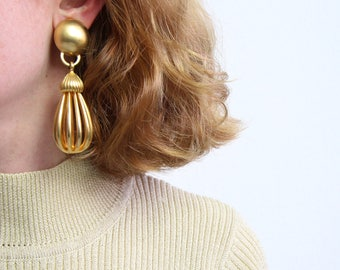 VINTAGE 1980s Big Earrings Gold Dangle Long Clip Ons