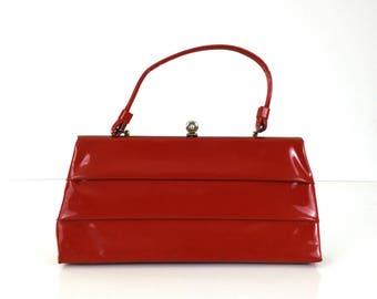 Vintage Red Vinyl Handbag / Pleated Purse