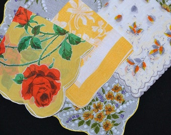 Lot of 4 Printed Hankies Yellow Orange White Roses Daisies Autumn Leaves Linen Scalloped Straight Corded & Rolled Edges Excellent Condition
